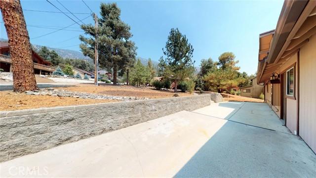 16425 Huron Drive, Pine Mountain Club CA: http://media.crmls.org/medias/8e7fa8b9-02c0-4131-bd7a-2fb25f108515.jpg