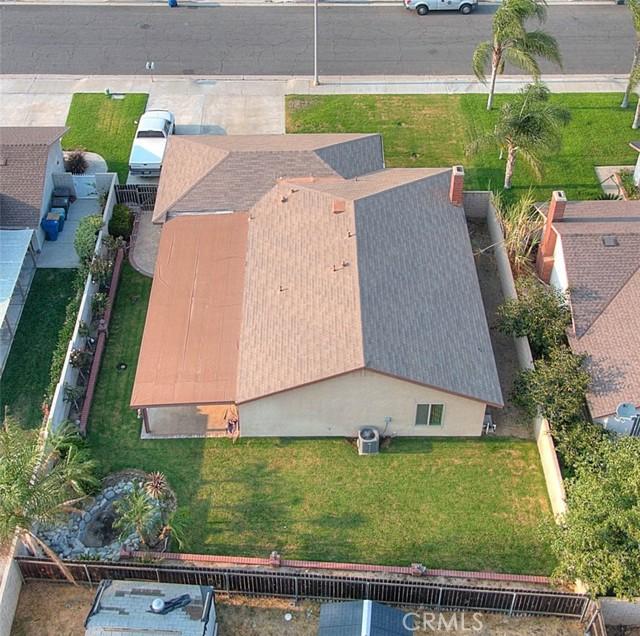 10078 Julian Drive, Riverside CA: http://media.crmls.org/medias/8e851e21-137e-4aa9-8f3f-d17713ccf4ff.jpg