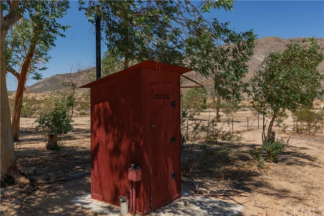 67326 Whitmore Road, 29 Palms CA: http://media.crmls.org/medias/8e856da2-3693-4cec-bbb2-3ef43e60476f.jpg