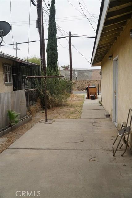 824 Sycamore, Montebello CA: http://media.crmls.org/medias/8e88f774-711f-4e42-9d96-e2244ca03e12.jpg
