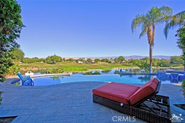 104 Loch Lomond Road, Rancho Mirage CA: http://media.crmls.org/medias/8e8b8418-06f7-40de-ad3b-2205b3452fa8.jpg