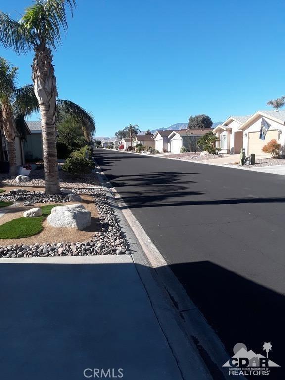 15300 Palm Drive, Desert Hot Springs CA: http://media.crmls.org/medias/8e8f680b-4993-4153-a402-62c1520f6a24.jpg