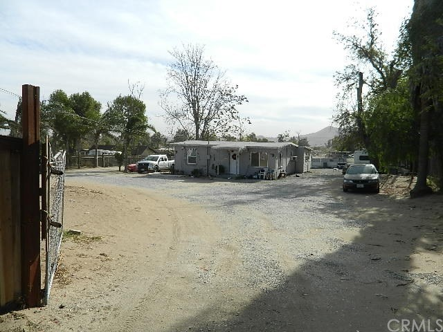 10562 58th St, Jurupa Valley, CA 91752
