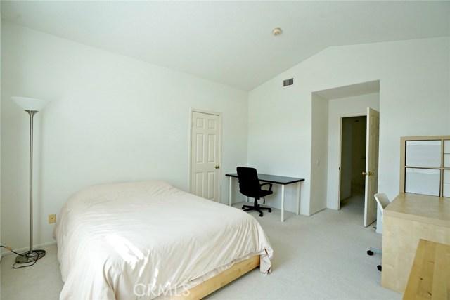1720 Morning Terrace Drive, Chino Hills CA: http://media.crmls.org/medias/8e98a2f2-ef78-435b-84c4-e9c60fe147ab.jpg