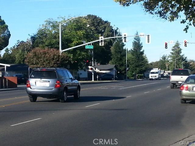 1260 East Avenue, Chico CA: http://media.crmls.org/medias/8e9b1253-ac06-4e31-a252-7ad5338e412f.jpg
