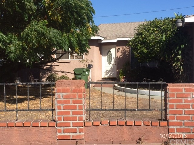 ***SINGLE FAMILY HOME IN CENTRAL CARSON*** This is a 3 bedroom, 2 bathroom single family home with a family room (per mls data), situated on a cul-de-sac street.  2 car attached garage.  DON'T MISS OUT ON THIS OPPORTUNITY!