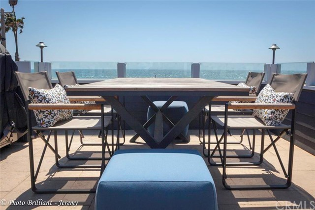 Single Family Home for Rent at 2400 Oceanfront W Newport Beach, California 92663 United States