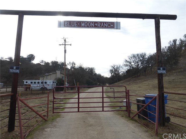 7830 Blue Moon Road, Paso Robles CA: http://media.crmls.org/medias/8eb1b4c2-e853-4fec-a9e1-97f933b55113.jpg