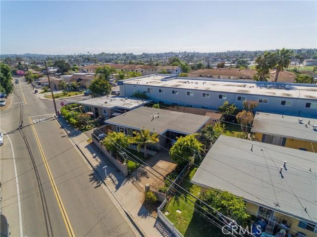 712 N Citrus Avenue, Vista CA: http://media.crmls.org/medias/8ebba19c-cd9c-4714-a355-e6365767e9ea.jpg
