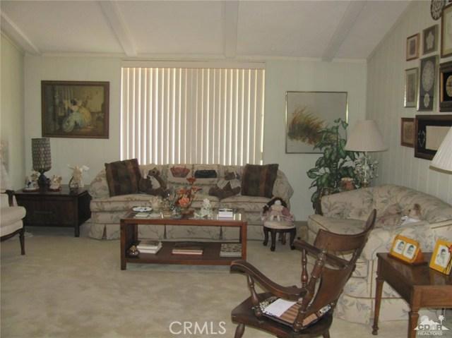 38934 Desert Greens Drive, Palm Desert CA: http://media.crmls.org/medias/8ebea559-7906-4f3e-8c65-619f5b275028.jpg