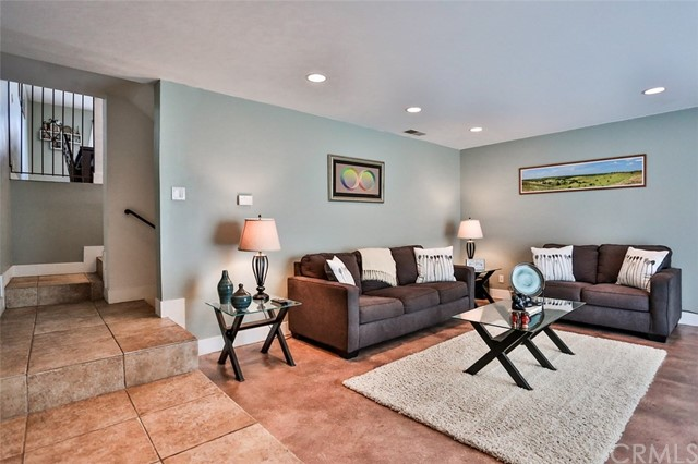 2505 Delaware Street Unit 2 Huntington Beach, CA 92648 - MLS #: OC18103078