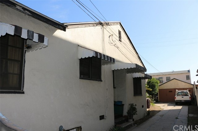 1300 Stanley Avenue Glendale, CA 91206 - MLS #: RS17083421
