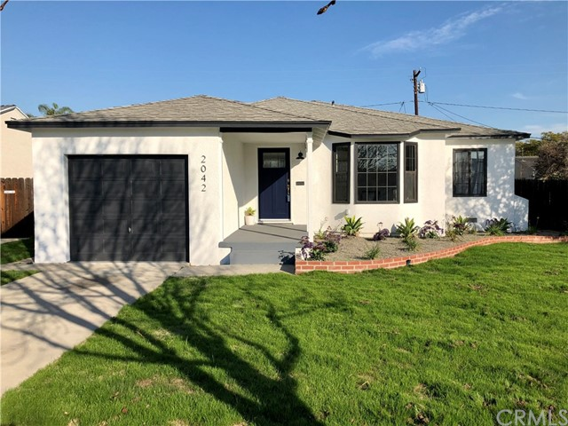 Single Family Home for Sale at 2042 N Greenbrier Road 2042 N Greenbrier Road Long Beach, California 90815 United States