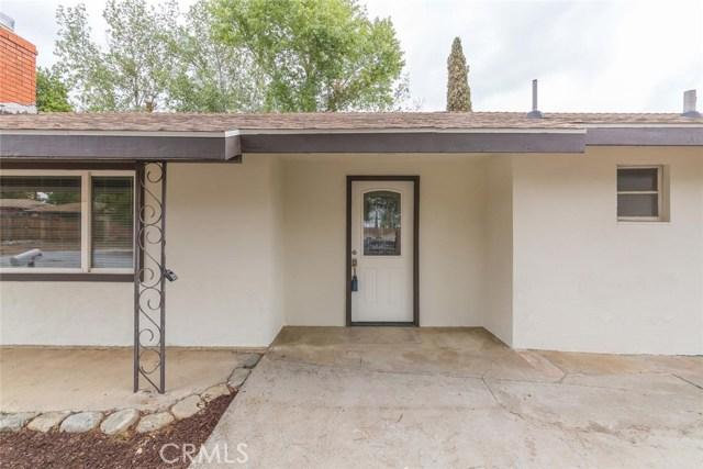 12471 Bryant Street, Yucaipa CA: http://media.crmls.org/medias/8ee421bf-a60a-4ebf-89a0-832a63b7c19b.jpg