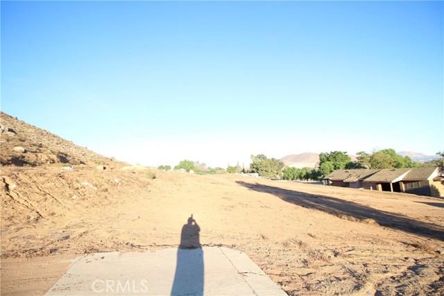 3791 Scenic Drive, Riverside CA: http://media.crmls.org/medias/8eec7080-b417-4ee8-9aec-698d3329fde3.jpg