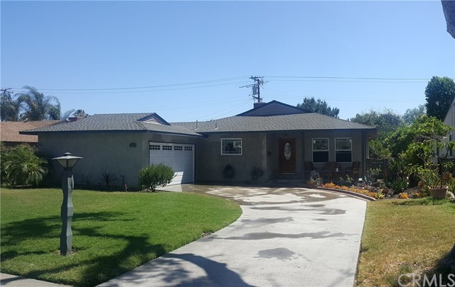 256 Ford Avenue, Pomona CA: http://media.crmls.org/medias/8ef0da50-165a-48de-8f8a-85487253405a.jpg