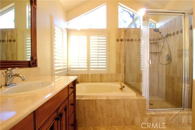 317 Amber Ridge Lane, Walnut CA: http://media.crmls.org/medias/8ef881b7-f495-45f7-87f9-4da37cafc16e.jpg