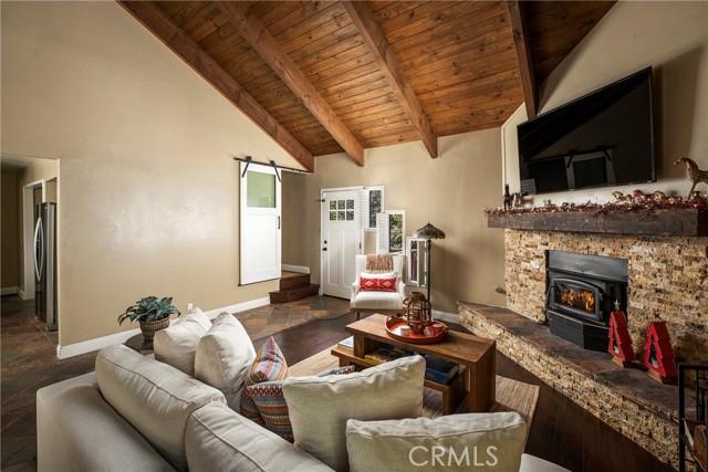 719 Rhine Road, Lake Arrowhead CA: http://media.crmls.org/medias/8f01abcc-4ea0-4eec-ba6e-f0d8a02d780e.jpg