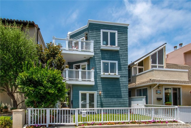 429 31st St, Manhattan Beach, CA 90266