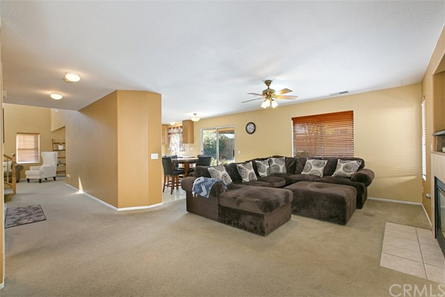 27891 Wintergrove Way, Murrieta CA: http://media.crmls.org/medias/8f1dad42-e246-46eb-84d1-693bd0deb498.jpg