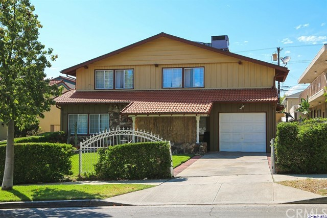 Single Family for Sale at 727 Tujunga Avenue E Burbank, California 91501 United States