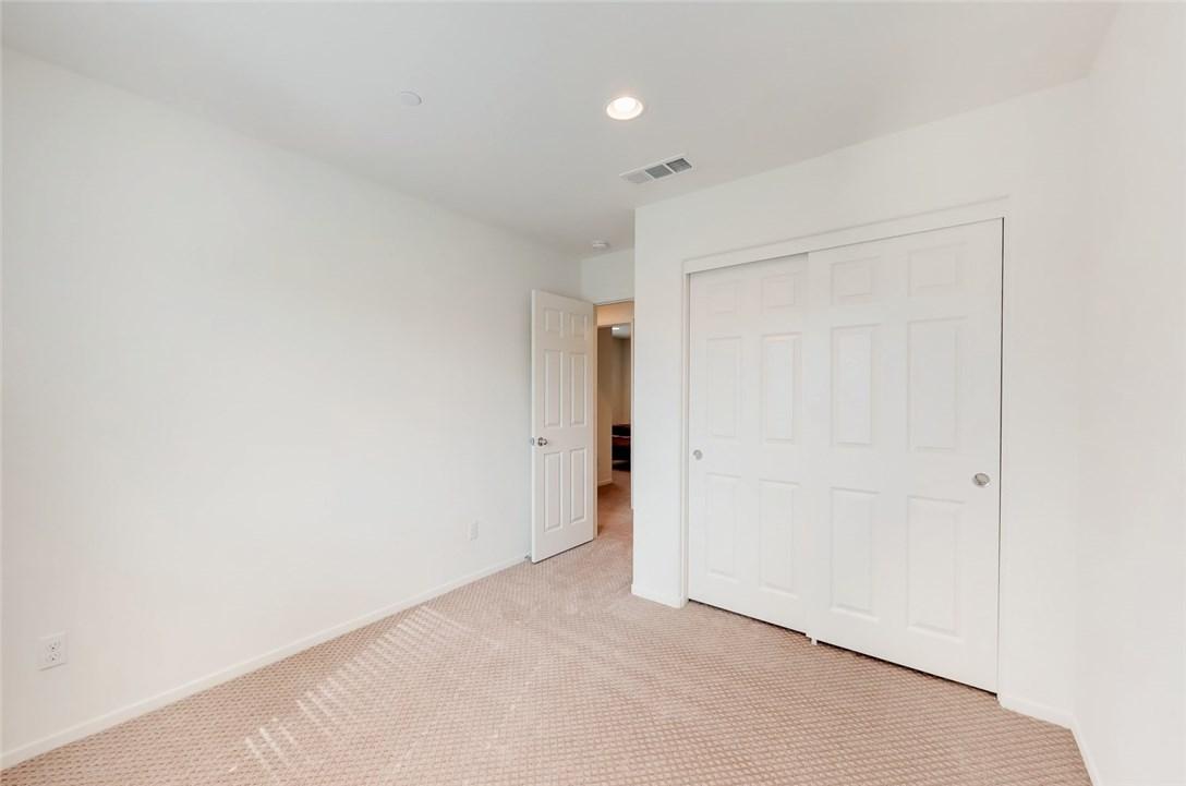 1277 Pinehurst Drive, Calimesa CA: http://media.crmls.org/medias/8f379220-822b-461a-b71c-1c2ff3ae949b.jpg
