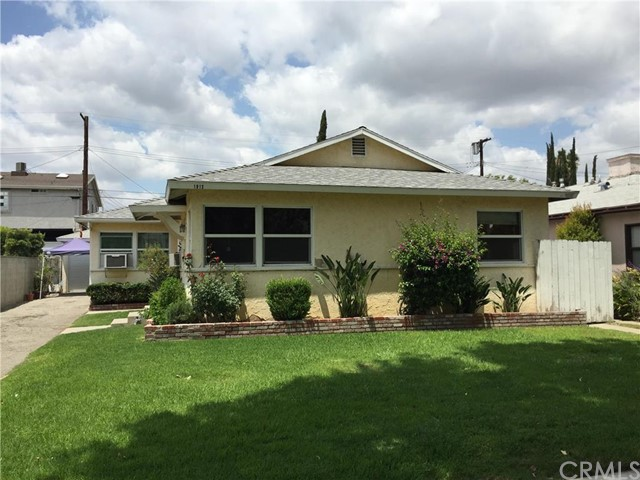 1913 Jackson Street Burbank, CA 91504 is listed for sale as MLS Listing BB16109892