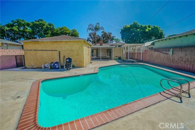 10433 Bryson Avenue, South Gate CA: http://media.crmls.org/medias/8f3b75c0-d278-4a0c-aa1b-800cdabd7f23.jpg
