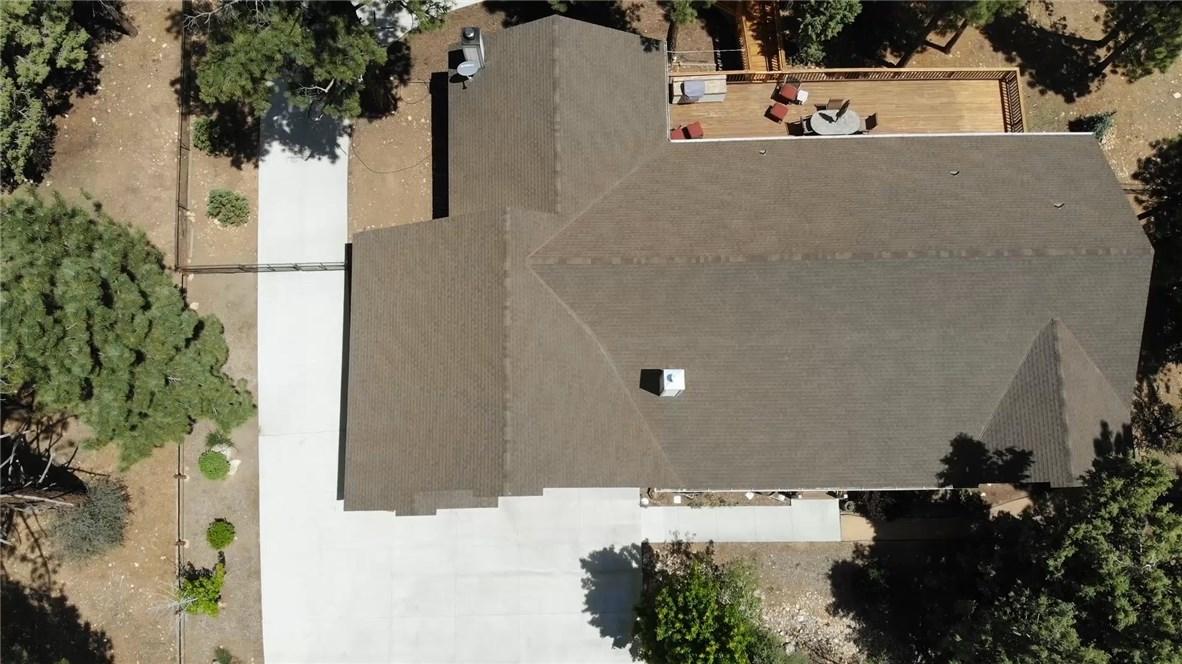 1480 Willow Glenn Court, Big Bear CA: http://media.crmls.org/medias/8f4abe9b-4d9f-4a90-9b9b-a54d32ecbd09.jpg