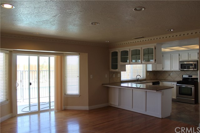 13055 Riverview Drive Victorville, CA 92395 - MLS #: EV18156713