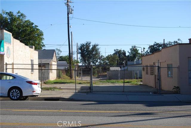 141 E 6th Street, Beaumont CA: http://media.crmls.org/medias/8f4f9603-19c0-4311-9bb3-8a3d92130697.jpg