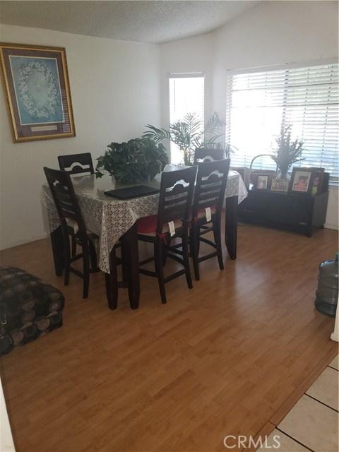 13815 Pheasant Knoll Lane, Moreno Valley CA: http://media.crmls.org/medias/8f55d567-4431-478c-a245-91f43e1e4d89.jpg