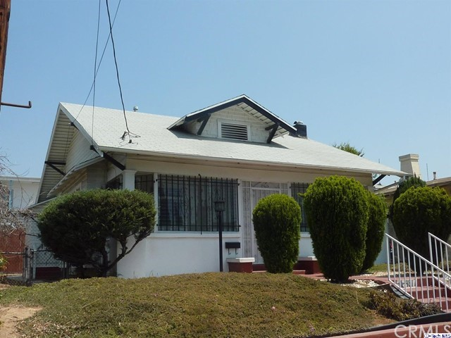 4817 Lexington Avenue, Los Angeles CA: http://media.crmls.org/medias/8f5acfaa-e33f-4b68-bc45-9fbdc35b7c6e.jpg