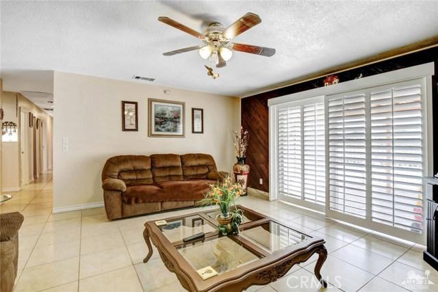 81821 Arus Avenue, Indio CA: http://media.crmls.org/medias/8f752646-4b58-46b9-a819-5b42b4df4973.jpg