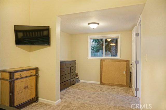 1125 Armstong Street, Lakeport CA: http://media.crmls.org/medias/8f891810-7821-4b37-b55a-0b128cd27bcd.jpg
