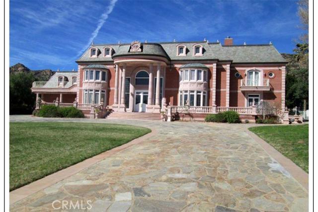 独户住宅 为 销售 在 11443 Awenita Court 查特斯沃斯, 加利福尼亚州 91311 美国