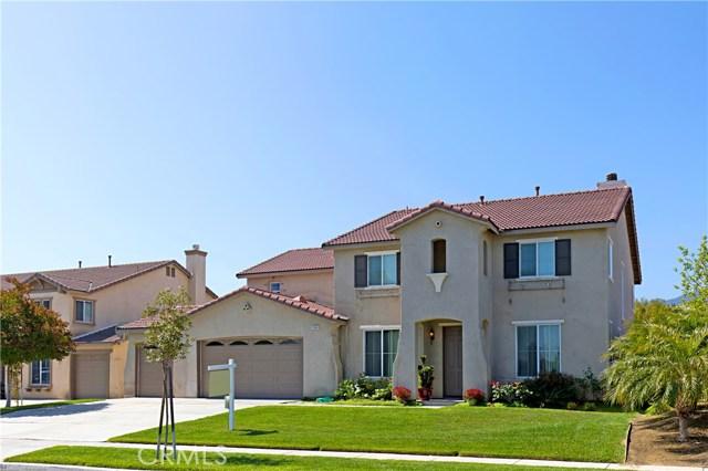 Photo of home for sale at 1164 Hyacinth Way, Corona CA