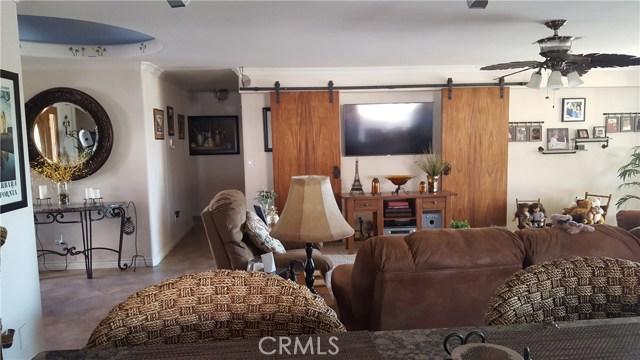 8471 Warwick Drive, Desert Hot Springs CA: http://media.crmls.org/medias/8f8ef664-a037-4066-9e2a-21a56c515a63.jpg