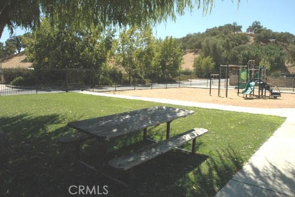 5040 Meadow Lark Lane, Paso Robles CA: http://media.crmls.org/medias/8f9c42da-ef89-48cf-bf02-7baa1a2259d2.jpg