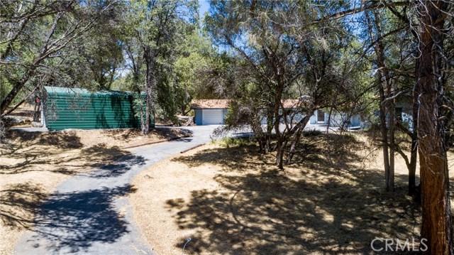 51739 Quail Run Drive, Oakhurst CA: http://media.crmls.org/medias/8f9fc6af-4f58-4f84-bacd-e4005c655732.jpg