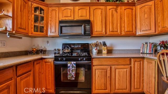 633 Via Santa Cruz, Vista CA: http://media.crmls.org/medias/8fa1a963-9870-4b3a-8239-baa5d16a8790.jpg