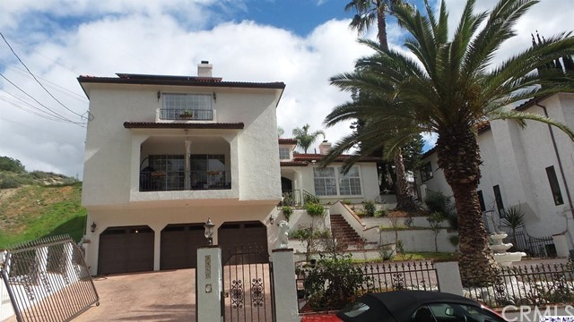 Single Family Home for Sale at 9460 Hillhaven Avenue Tujunga, California 91042 United States