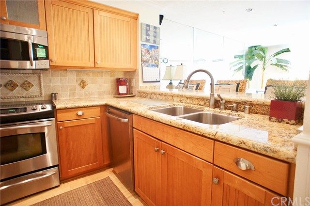 1200 Pacific Coast Unit 307 , CA 92648 is listed for sale as MLS Listing OC18249637