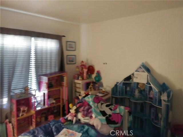 31382 Montgomery Avenue, Nuevo/Lakeview CA: http://media.crmls.org/medias/8fbd6d39-d816-4b68-b416-4bf09b413abc.jpg