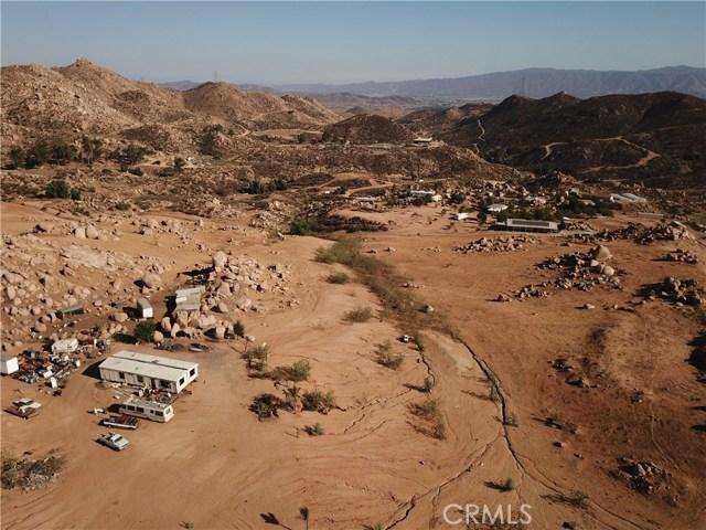 25050 El Toro Road, Perris CA: http://media.crmls.org/medias/8fc425b9-4699-4a77-a50e-ee6aa7e437bc.jpg