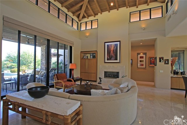428 Morning Dove, Palm Desert CA: http://media.crmls.org/medias/8fca0edf-e96b-419a-8c76-cd6a79a3157f.jpg