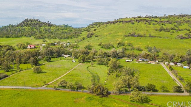 3179 Dry Creek Road, Butte Valley CA: http://media.crmls.org/medias/8fd427c9-6ed5-4224-8edc-d4e5eb7272c9.jpg