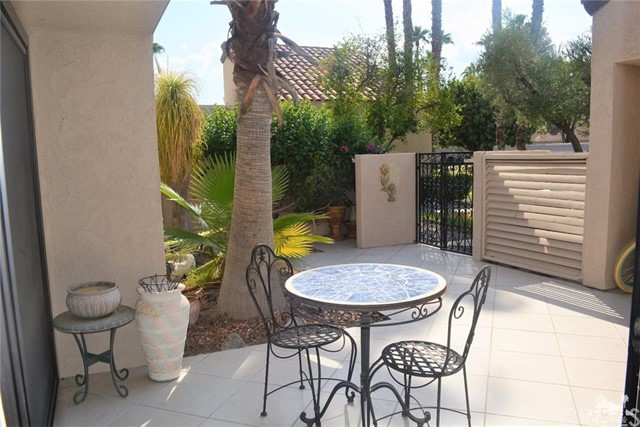369 Wimbledon Drive, Rancho Mirage CA: http://media.crmls.org/medias/8fdedc84-f8f5-42ed-9709-c806b568f747.jpg