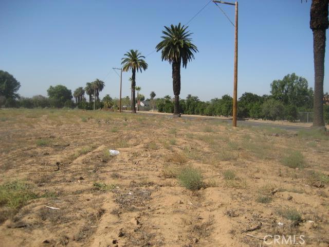 1814 Bradley Street, Riverside CA: http://media.crmls.org/medias/8fe36d0e-5b76-4915-9084-4f6522ef5357.jpg