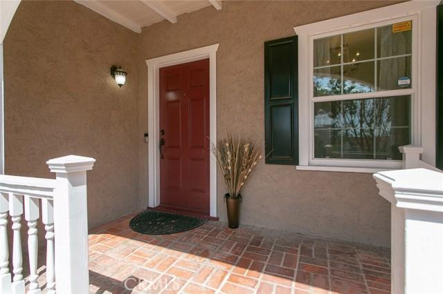1238 Carmen Drive, Glendale CA: http://media.crmls.org/medias/8fe85966-e662-4419-adeb-9b63b569c9ea.jpg